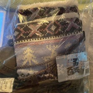 Mukluk size 8 new in sealed package